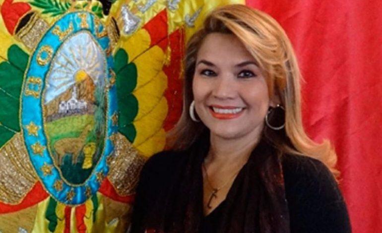 Bolivia ordenará expulsión del personal diplomático chavista en La Paz