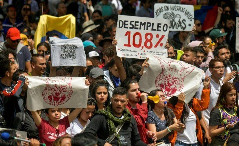 Multitudinarias protestas contra Duque sacuden Colombia