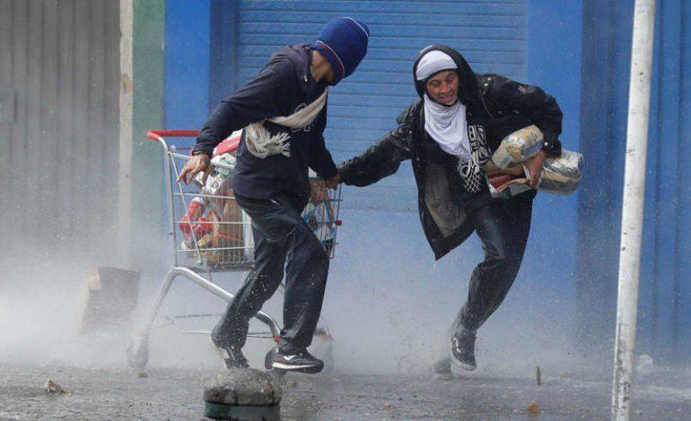 Casi 60 venezolanos fueron expulsados de Colombia por alterar el orden en protestas