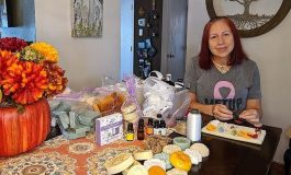 Venezolana con cáncer elabora jabones artesanales para costear gastos médicos en Florida