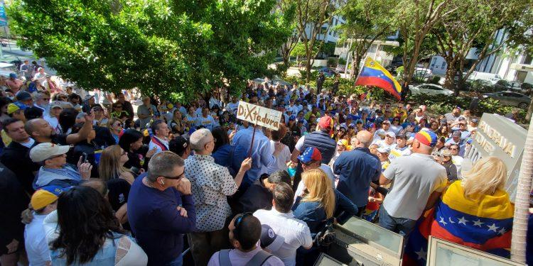 Venezolanos en Miami protestaron contra el régimen de Nicolás Maduro