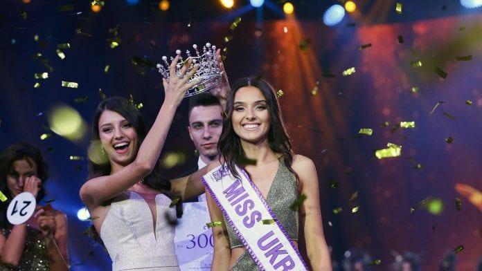 Ex reina de belleza de Ucrania demanda al Miss Mundo