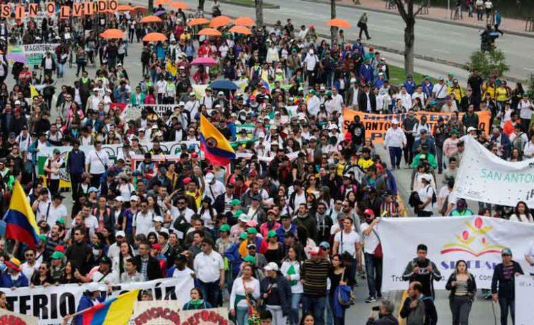 Sindicatos de Colombia mantienen llamado a huelga para este miércoles