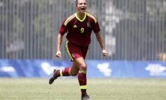 Deyna Castellanos finalizó etapa universitaria y podrá hacer del fútbol su profesión