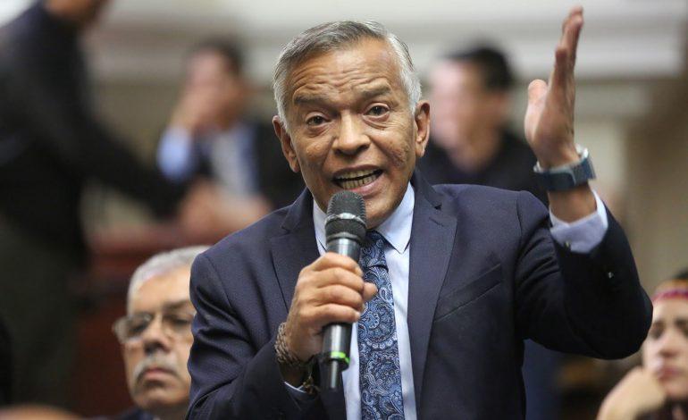 Diputado Barrientos: mi firma no aparece en ninguna carta señalada en la denuncia por corrupción