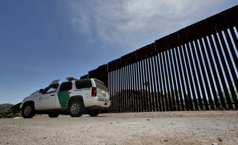 Estados Unidos envía a México a 9 venezolanos que piden asilo en Arizona