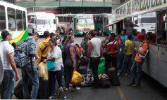 Venezolanos se preparan para viajar estas navidades