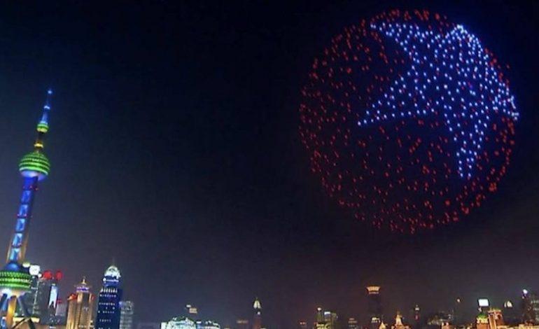 Drones sustituyeron la pirotecnia en la fiesta de Año Nuevo de Shanghái