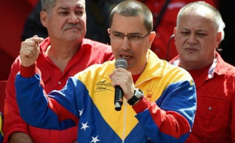 Arreaza condenó rotundamente aviso de los Estados Unidos contra Maduro y los suyos