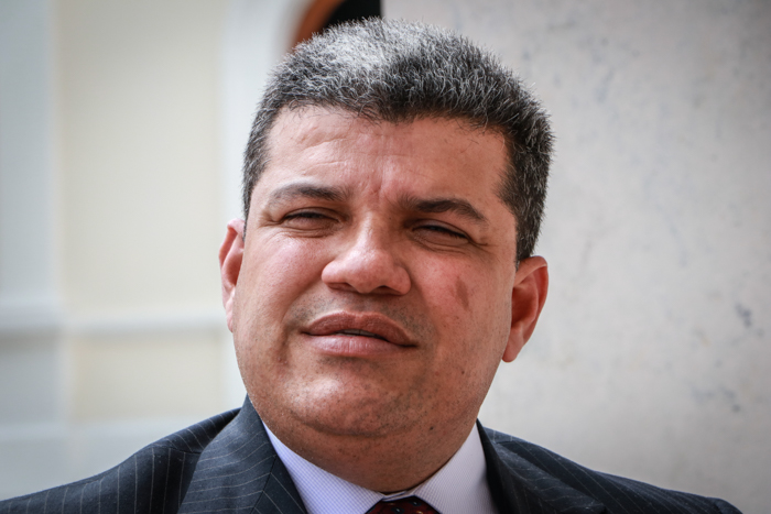 Diputado Guanipa acusa a Parra de ampararse en los militares