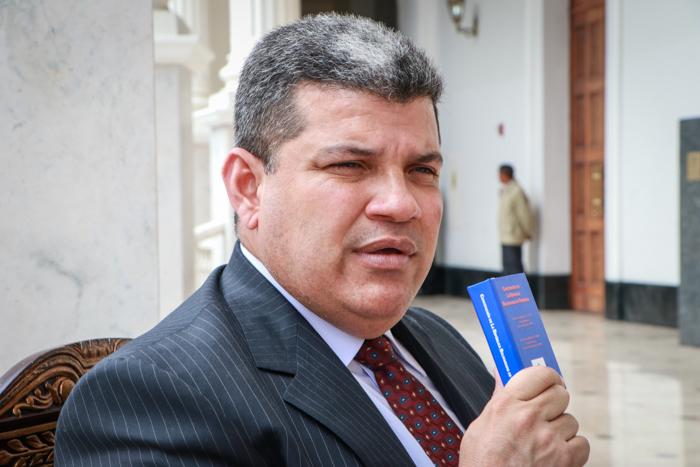 Luis Parra está seguro que el anhelo de los venezolanos es un nuevo CNE