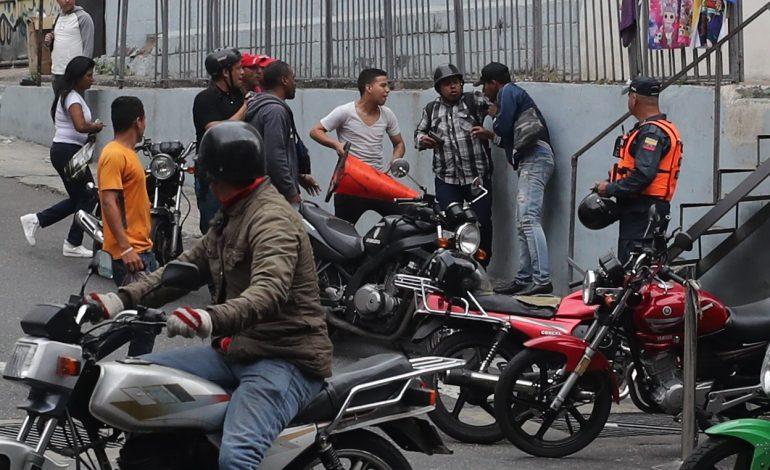 Colombia condena ataque de civiles armados a diputados en Venezuela