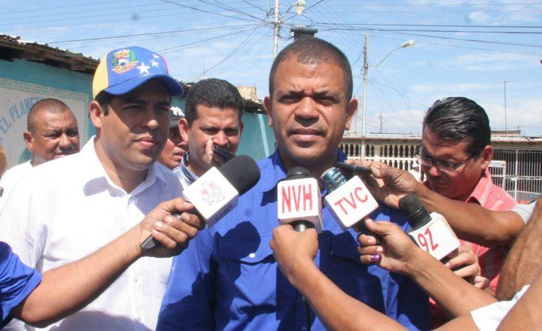 Diputado Noriega se defiende de acusaciones que lo vinculan con el chavismo