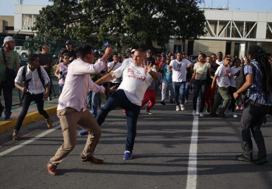 La SIP condenó agresiones contra periodistas venezolanos