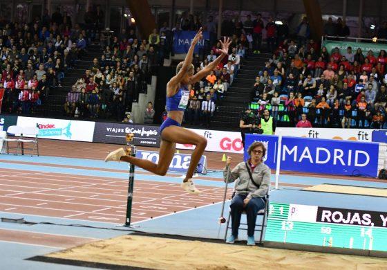 Yulimar Rojas rompe récord con mega salto de 15,43 metros