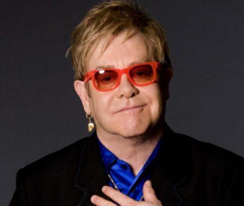 Elton John suspendió concierto en Nueva Zelanda por neumonía atípica