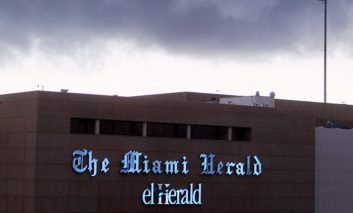 Empresa dueña del Miami Herald y otros medios entra en banca rota