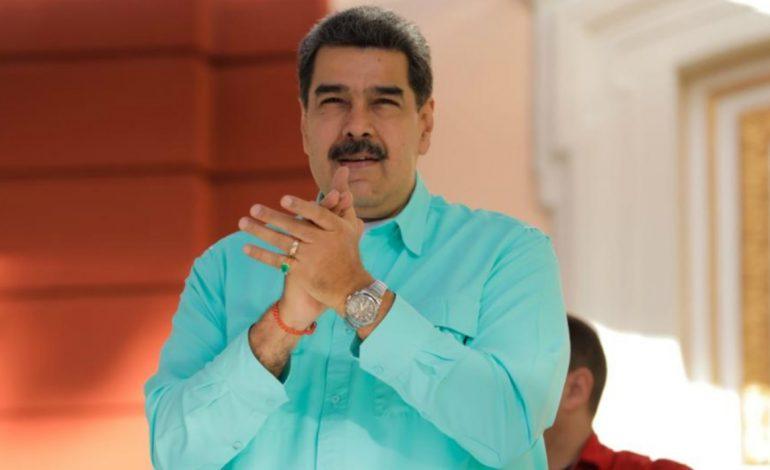 """Maduro afirma ser un jefe de Estado que """"defiende la paz"""" a la par que EEUU pone precio a su captura"""