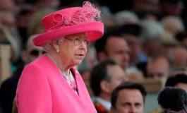 """Isabel II agradece el """"compromiso desinteresado"""" del personal sanitario"""