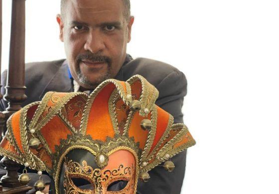 Columna Baile de máscaras por Sandy Ulacio: Oposición corrupta y mezquina