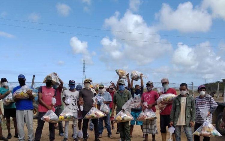 Beneficiadas más de 50 familias en Falcón con entrega de alimentos de la empresa Lake Blue