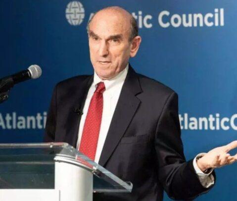 Abrams no considera suficiente aplazar las parlamentarias en Venezuela