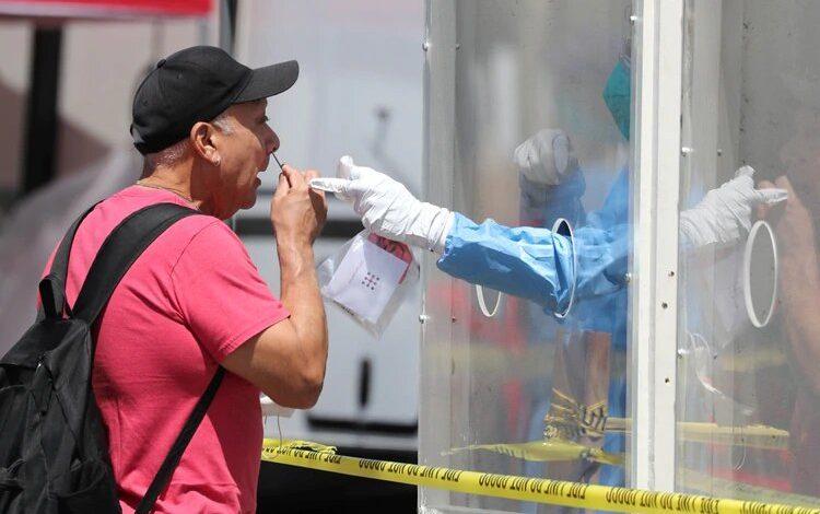 Pandemia de Covid-19 golpea fuerte a EEUU y se aviva en América Latina