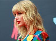 Taylor Swift acusa a Trump de racista y que en noviembre lo van a remover