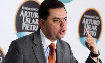 Propuesta de Antonio Ecarri para recuperar al país: Dolarizar y privatizar la economía