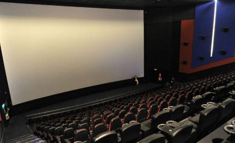 """""""Seremos los últimos en recuperarnos"""": el futuro de las salas de cine y teatro"""