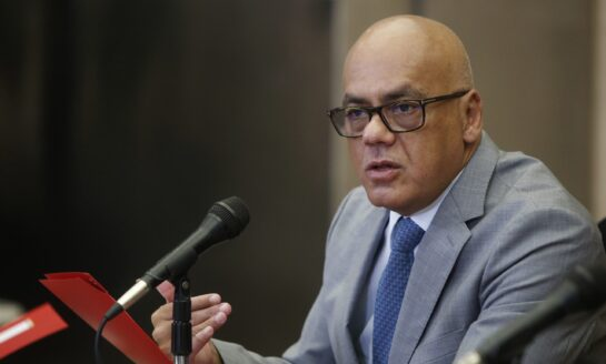 Jorge Rodríguez afirma que las parlamentarias serán en diciembre y no habrá cambio de fecha
