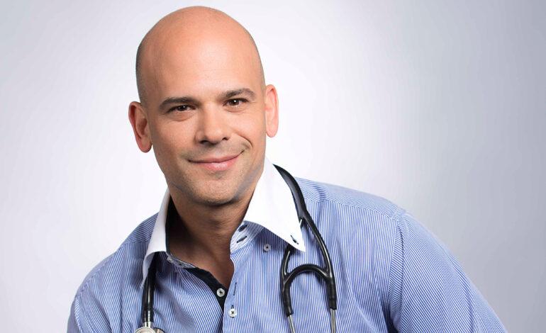 El doctor Juan Rivera, dedica un libro exclusivamente a salud de la mujer
