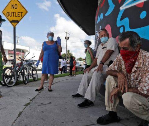 Florida se acerca al millón de casos de coronavirus