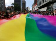 Muerte de mujer transgénero en retén del Ejército en Colombia provoca indignación