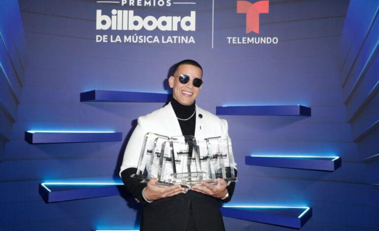 Daddy Yankee y Bad Bunny, fueron los más premiados de los Billboard