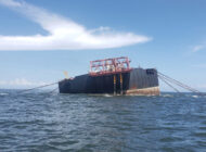 Barco de PDVSA se acerca a instalación flotante para recibir transferencia de crudo