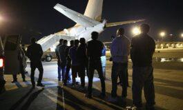 Denuncian que el gobierno de Trump deportó a venezolanos a través de un tercer país