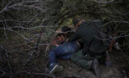 Corte Suprema de EEUU revisará política de Trump que detiene en México a migrantes