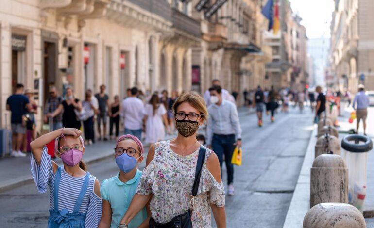 Pandemia del Covid-19 suma su segunda cifra diaria más alta y supera los 43,5 millones de casos