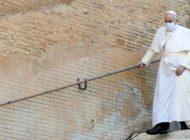 El papa Francisco dice que leyes de unión civil deberían cubrir a homosexuales