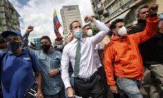 Guaidó recorrió Sabana Grande para promover la Consulta Popular